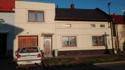 Prodej Rodinný dům 2 x 2+1, Chropyně